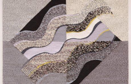 Tahuantisuyu, 1987 Tessuto realizzato a mano su telaio ad alto liccio, ordito in cotone, trama in lana e cotone. Courtesy dell'artista.