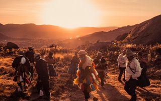 Varados de Ichu ceremonial del Camino Inca en Jayujayuni
